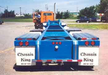 Chassis de 43 pies para el transporte de tanques de 20 pies. Uno de los diferentes chassis especiales que ofrecemos